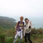 Q-Languge-students-hiking-!